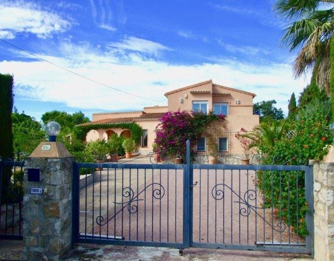 Rustiek landhuis / Villa te koop in de buurt van Denia  zeer charmante finca.
